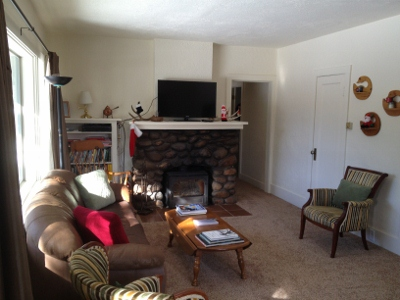 Living Room (400x300)